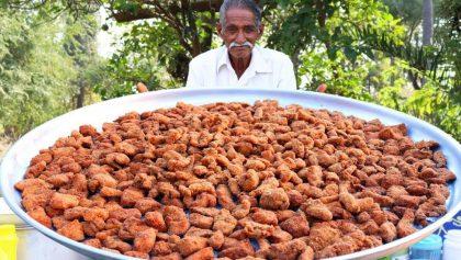 Él es Narayana Reddy, el abuelito youtuber que se dedica a preparar comida para niños huérfanos
