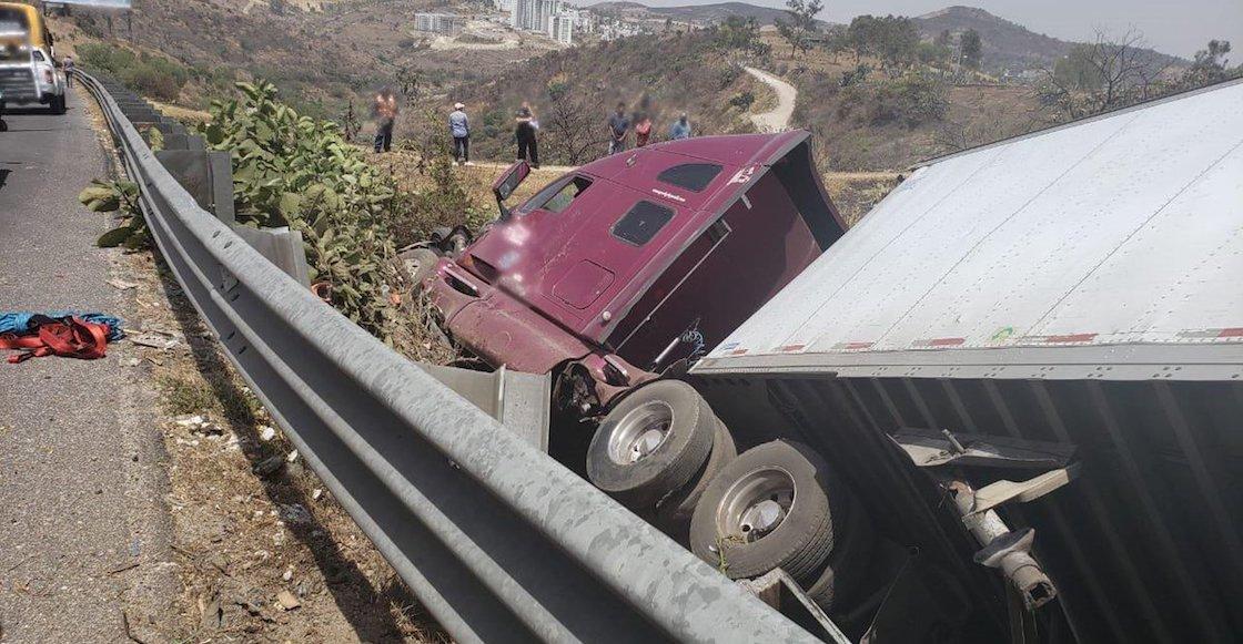 Accidente sobre la carretera Chamapa-Lechería deja al menos 6 muertos