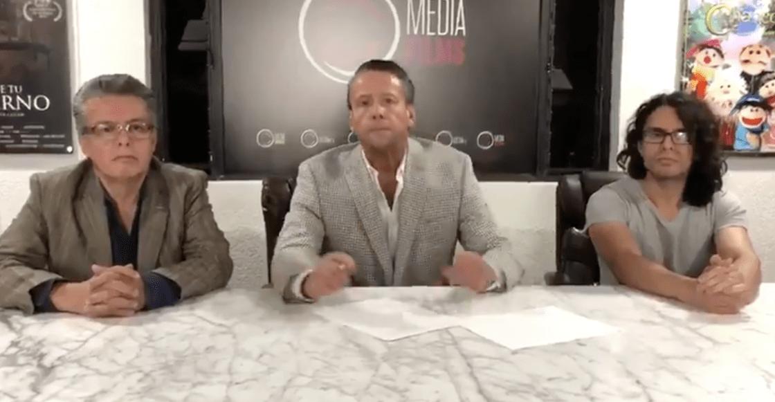 Alfredo Adame firma el contrato para la pelea con Carlos Trejo