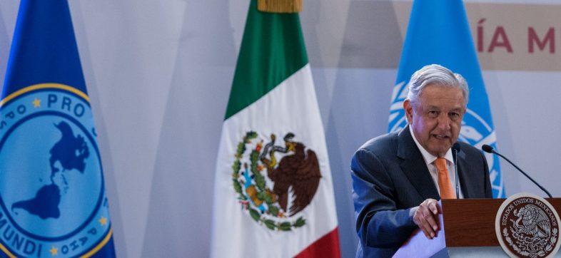 """CIUDAD DE MÉXICO, 09ABRIL2019.- Andrés Manuel López Obrador, presidente de México, durante la presentación del Informe de la Comisión de Alto Nivel """"Salud Universal en el siglo XXI: 40 años de Alma-Ata""""."""