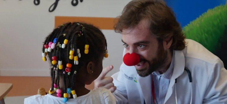 Murió el 'Capitán Optimista', el joven que cuidaba a niños con cáncer y regalaba sonrisas