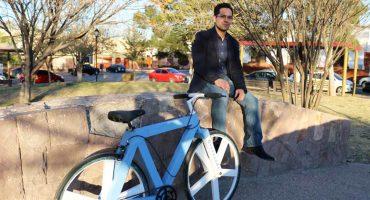 Ingenio mexicano nivel: Este joven creó una bicicleta hecha con papel reciclado