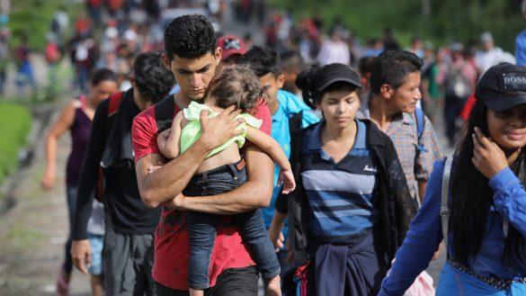 Parte nueva caravana migrante desde Honduras; buscan llegar a Estados Unidos