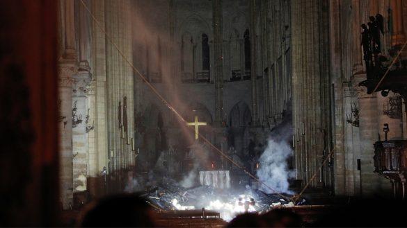 Así se ve la catedral de Notre Dame por dentro después del incendio