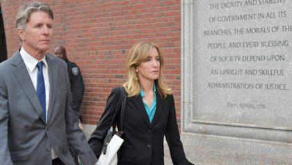 Felicity Huffman de 'Esposas Desesperadas' se declara culpable por fraude universitario
