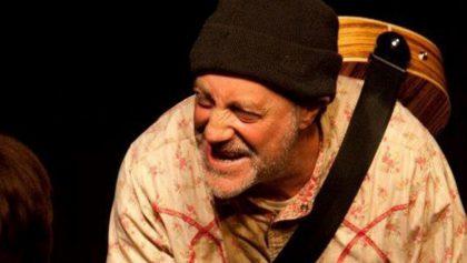 El irónico caso del standupero que bromeó sobre su muerte y falleció minutos después durante su show