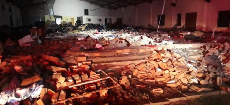 iglesia-derrumbe-sudafrica-colapsa-13-muertos-semana-santa