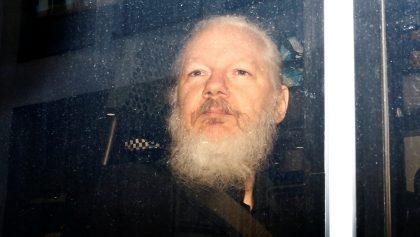 Estados Unidos busca extraditar a Julian Assange: lo acusa de conspiración