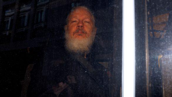 ulian-assange-wikileaks-ecuador-presidente-investigacion