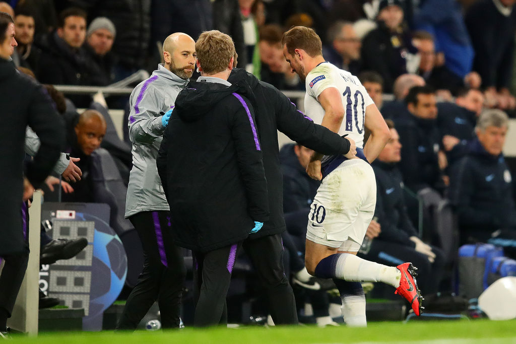 En imágenes: La dolorosa lesión de Harry Kane ante Manchester City