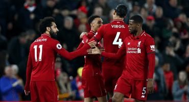 Liverpool cede toda la presión de la jornada al City tras golear al Huddersfield