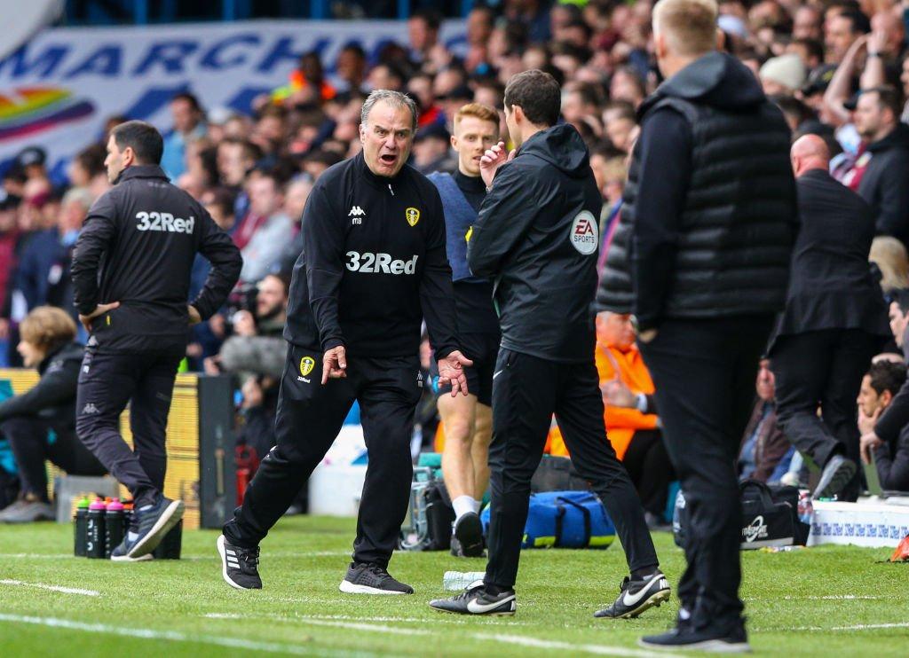 Anotaron mientras un rival estaba lesionado y el 'Loco' Bielsa ordenó dejarse marcar un gol