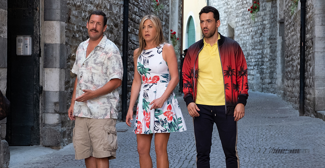 ¡Mira a Luis Gerardo Méndez junto a Jennifer Aniston y Adam Sandler en el tráiler de 'Murder Mystery'!