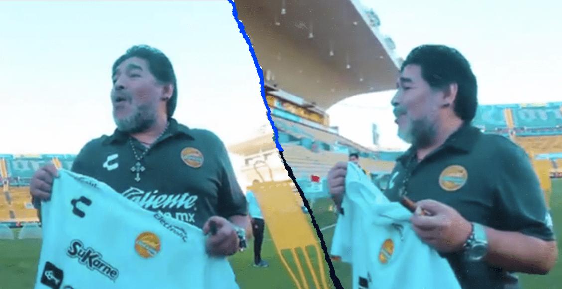 ¡Actúa normal! La reacción de Maradona tras conocer la playera albiceleste de Dorados