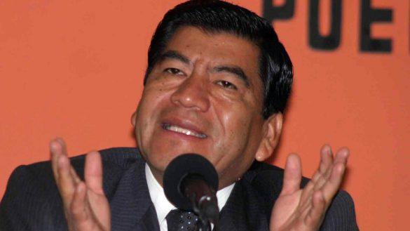 PUEBLA, PUEBLA. 05 DE JULIO DE 2007.- El gobernador de Puebla, Mario Mar'n, dijo que las labores de rescate continuar‡n hasta sacar los cuerpos de todas las v'ctimas sepultadas bajo toneladas de tierra en Zacacoapan, cerca de la comunidad poblana de San Miguel Eloxochitl‡n, en el estado de Puebla.
