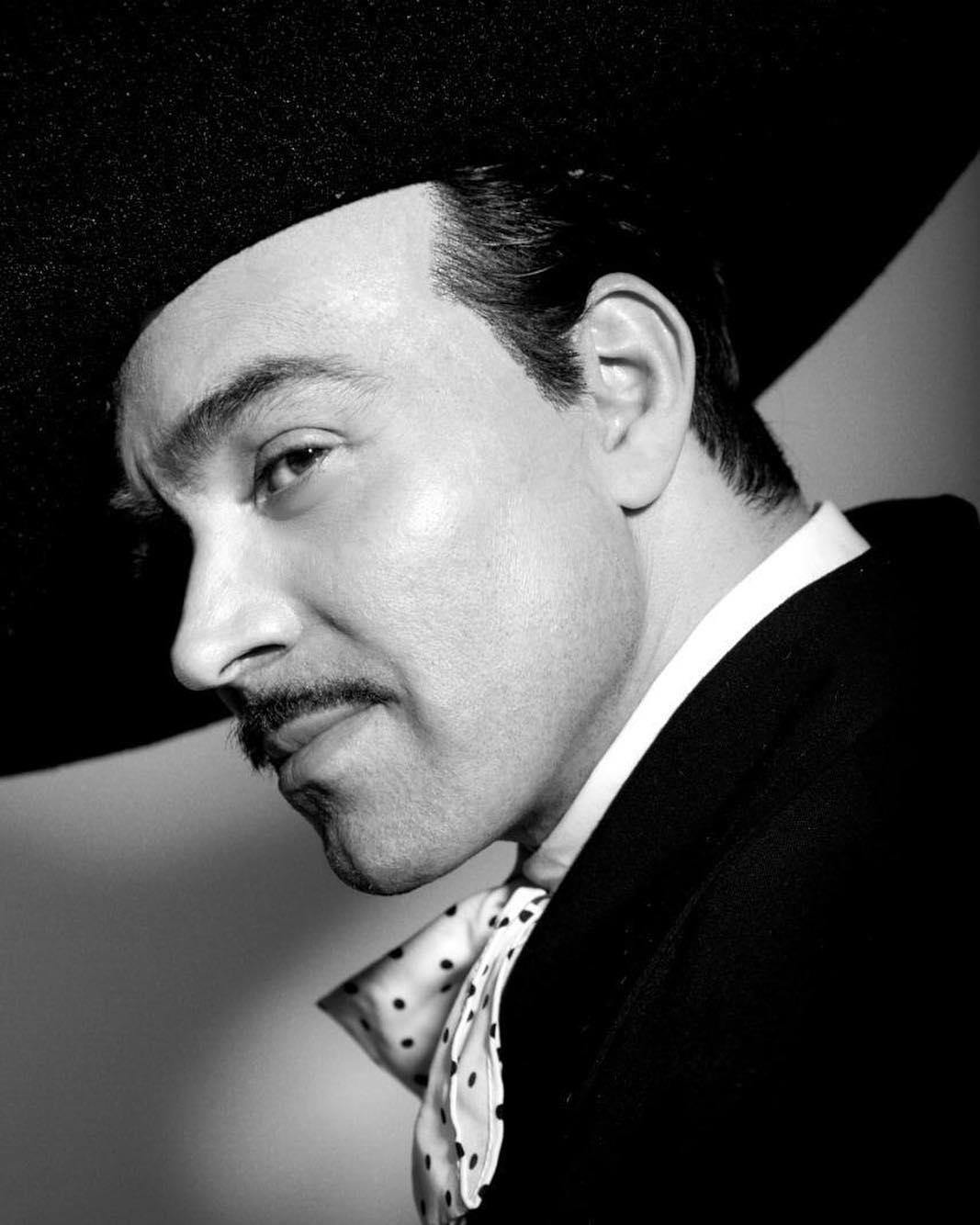 Omar Chaparro como Pedro Infante
