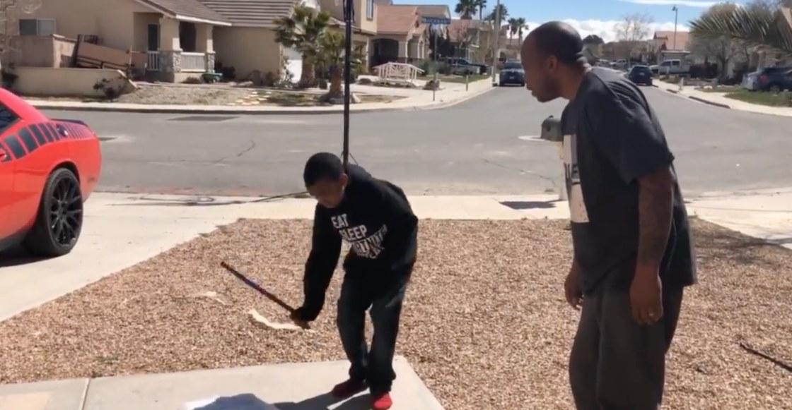 Soldadito caído: Reprueba el año y su papá lo obliga a destruir su consola de videojuegos