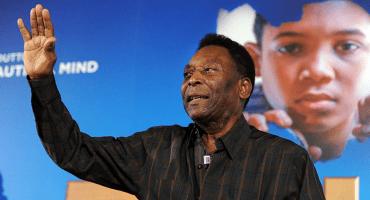 Segunda operación de Pelé en una semana; le retiraron cálculos renales