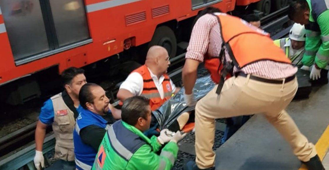 Policía murió arrollado en el Metro después de que un usuario lo empujó