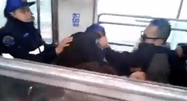 ¿#ConLosPolisNo? Vagoneros golpean a tres policías en el Metro CDMX