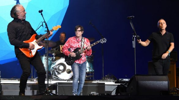 "Mira a Weezer y Tears for Fears tocar 'Everybody Wants to Rule the World"" en Coachella 2019"