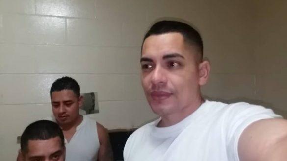 Qué original: Él es el youtuber que hace sus videos desde... ¡¿la cárcel?!
