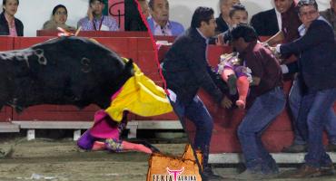 La mexicana Hilda Tenorio sufre fracturas múltiples en el rostro tras ser corneada