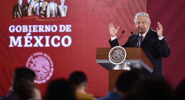 AMLO buscará proveedores extranjeros para garantizar abasto de medicamentos para VIH
