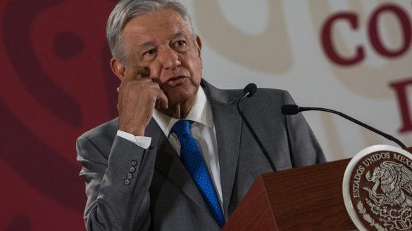 """CIUDAD DE MÉXICO, 09MAYO2019.- Andrés Manuel López Obrador, presidente de la República, anuncio durante su conferencia """"mañanera"""" que se iniciara el próximo 2 de junio la construcción de la refinería Dos Bocas y que promete estará lista en mayo del 2022. La construcción de la refinería estará a cargo de PEMEX y la secretaria de energía, generando alrededor de 100 mil empleos."""