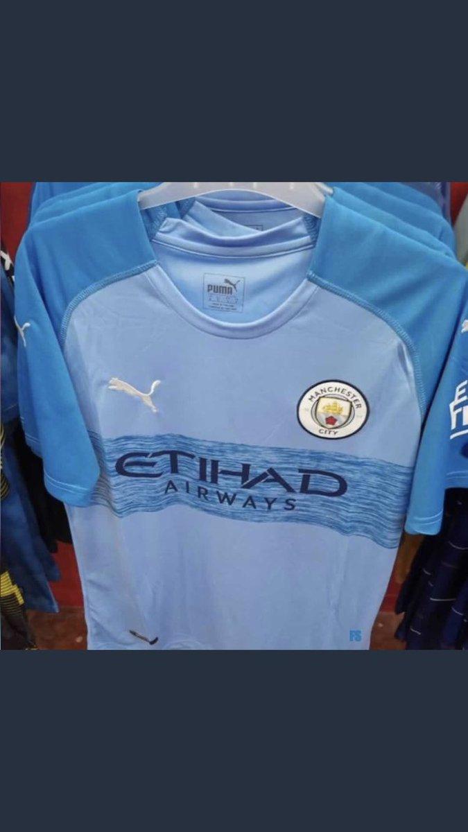Circula en internet un uniforme falso del Manchester City que incluso 'ya está a la venta'