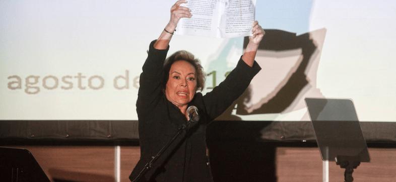 'Vamos a sacar a aquellos que nos pusieron de rodillas', amenaza Elba Esther