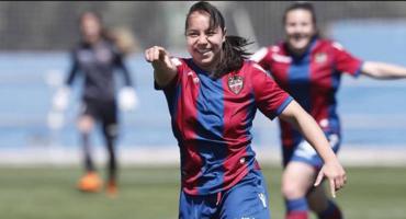 ¡Orgullo nacional! Eligen el gol de Charlyn Corral como el mejor del año en España