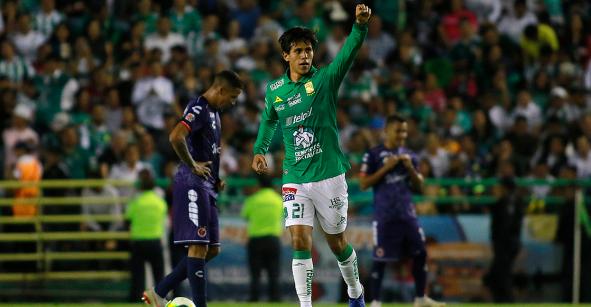 José Juan Macías: El goleador mexicano que 'huyó' de Chivas para brillar en León
