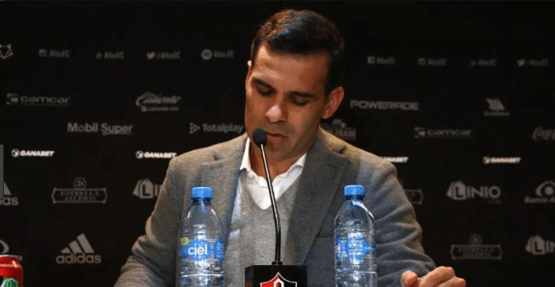 Rafa Márquez fuera del Atlas — OFICIAL
