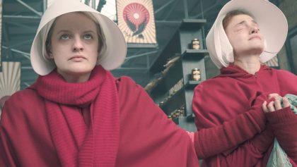 Elisabeth Moss en The handmaids Tale