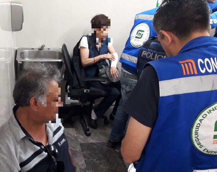 Usuarias-metro-CDMX-escaleras-eléctricas-Pantitlán