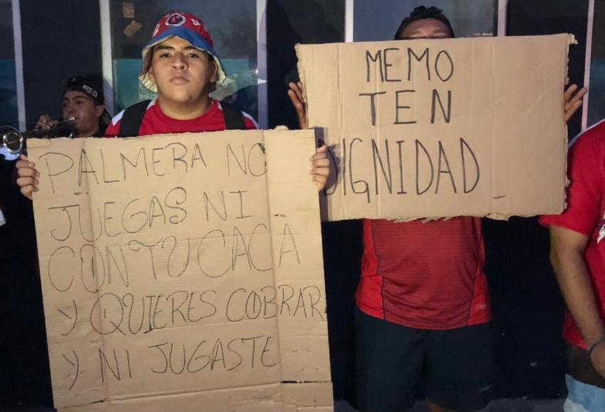 """Fans del Veracruz se manifestaron por el mal paso del equipo: """"Queremos jugadores con huevos"""""""