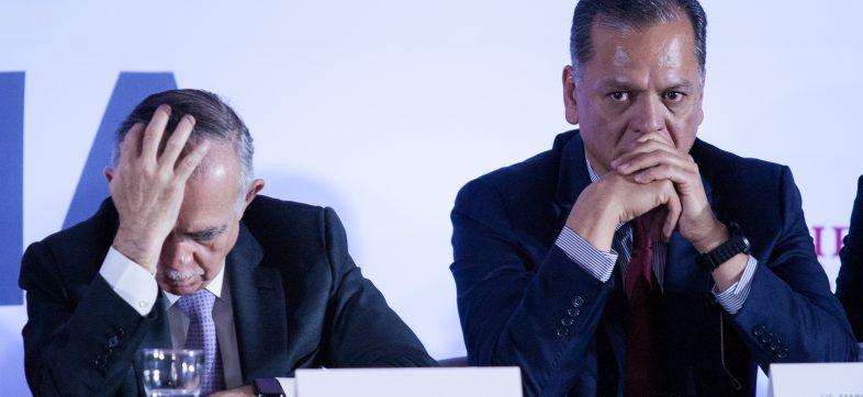 CIUDAD DE MÉXICO, 30ABRIL2019.- Alfonso Romo, jefe de la Oficina de la Presidencia de México, y Mario Macias Robles, director sectorial de los Trabajadores del Infonavit, durante la 188 asamblea general del Instituto del Fondo Nacional de la Vivienda para los Trabajadores(Infonavit).
