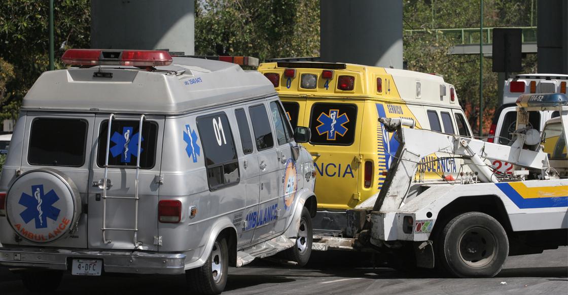 """Paramédicos de ambulancia """"patito"""" dejan en la calle a un herido por no pagar el servicio"""