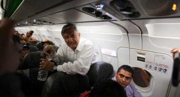 ¡Aaaay! El vuelo en el que viajaba AMLO sufre 'incidente menor' llegando a Nayarit