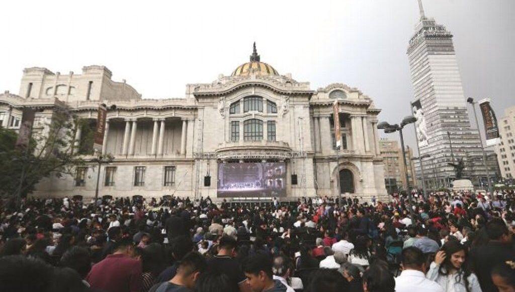 Evento La Luz del Mundo en Bellas Artes