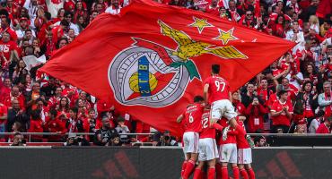 Benfica se corona por quinta ocasión en seis años y deja al Porto con las manos vacías