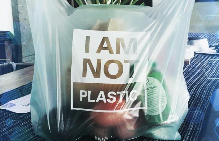 """Esto es lo que pasa con las bolsas de plástico """"biodegradables"""