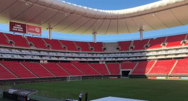 A falta de Liguilla, Chivas dará a sus aficionados pedazos de pasto del Estadio Akron