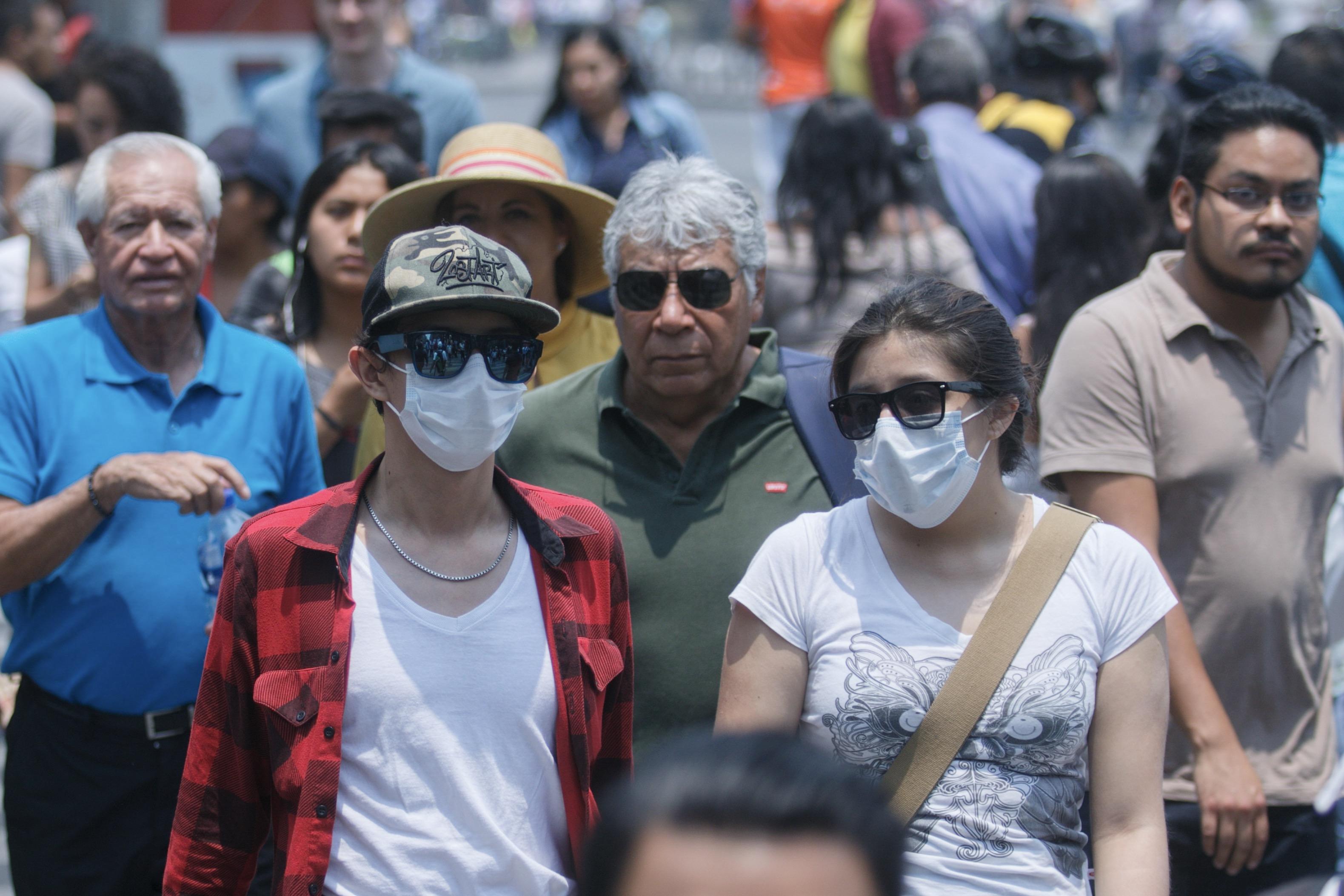 contaminacion-cdmx-cubrebocas-cancelan-clases-hoy-no-circula