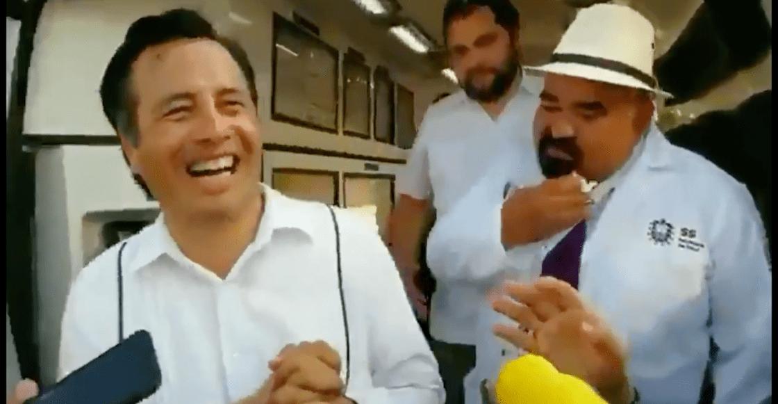 Qué cotorro: Gobernador de Veracruz se burla de reportero que le pide información