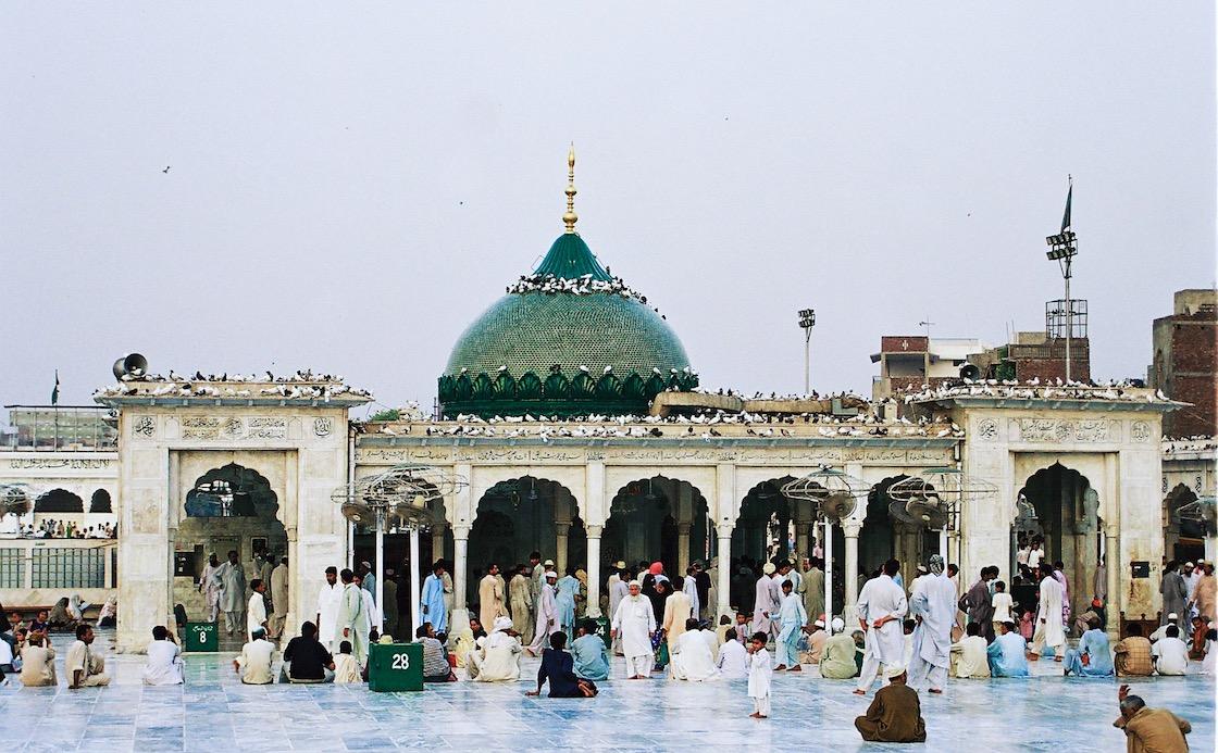 data-darbar-pakistan-bomba-atentado-policia