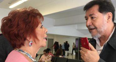 Fernández Noroña discute con una señora en el aeropuerto por llamarlo