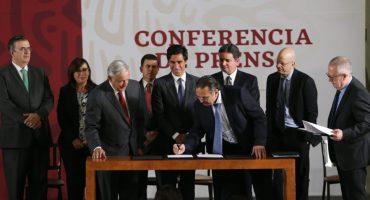 Se renegocia deuda de Pemex; AMLO firma acuerdo con bancos internacionales