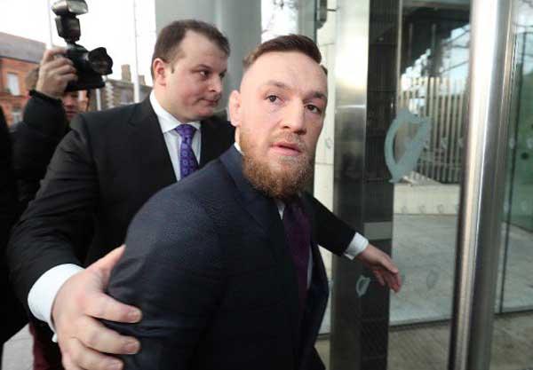 Retiran cargos contra Conor McGregor porque la víctima 'dejó de cooperar'